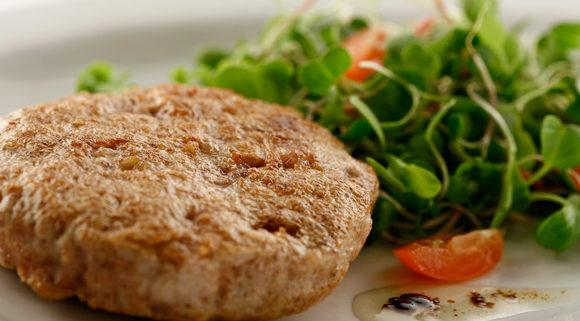 Deliciosa-hamburguesa-de-pollo-casera.